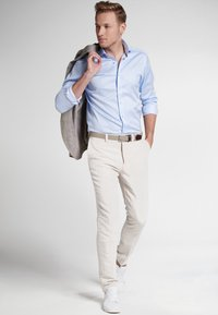 Eterna - SLIM FIT - Finskjorte - light blue - 1