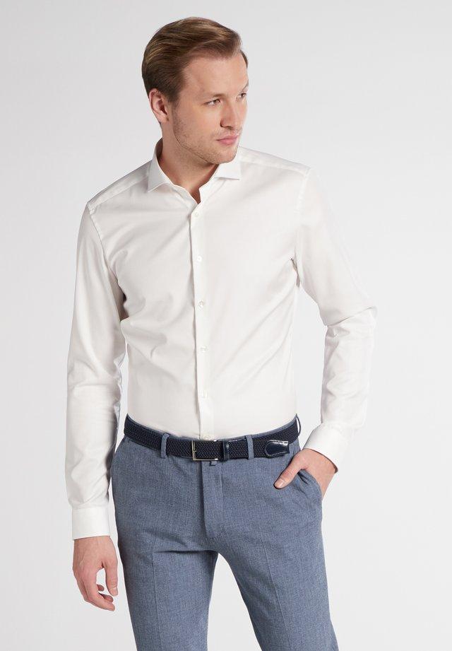 SUPER SLIM COVER SHIRT - Formal shirt - beige