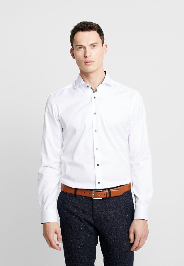 SLIM FIT  - Finskjorte - weiß