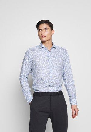 SLIM FIT - Formální košile - royal