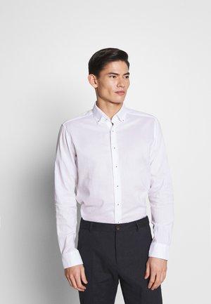 SLIM FIT CLASSIC  - Zakelijk overhemd - white