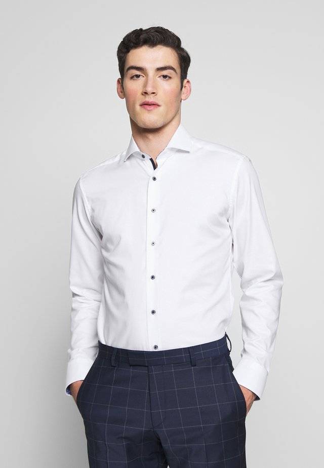 HAI-KRAGEN SLIM FIT - Formal shirt - white