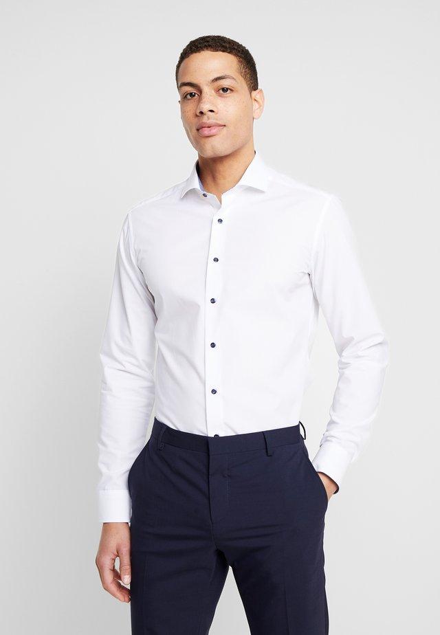 SLIM FIT  - Business skjorter - white