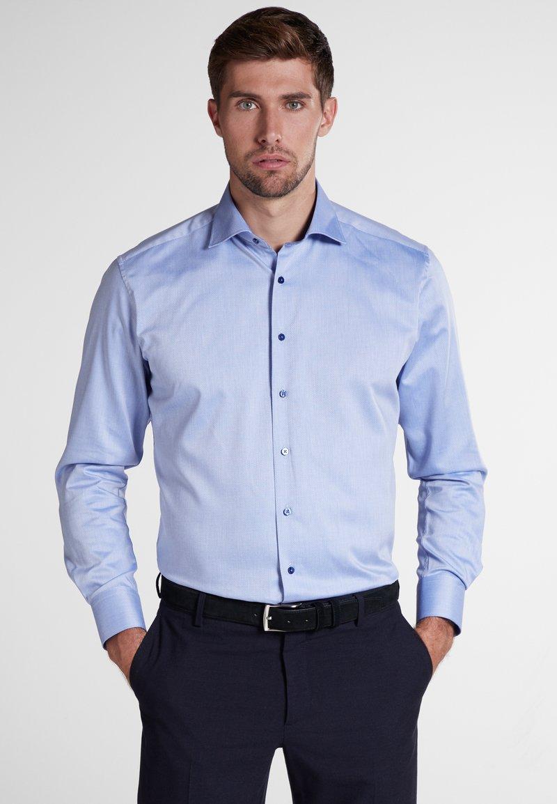 Eterna - MODERN FIT - Hemd - light blue