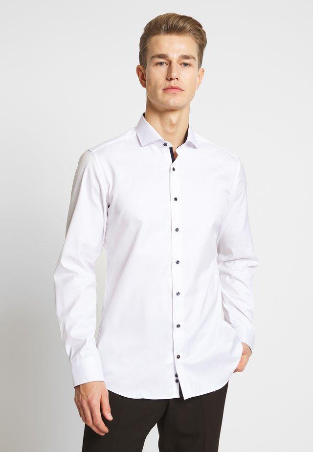 HAI-KRAGEN SLIM FIT - Formal shirt - white