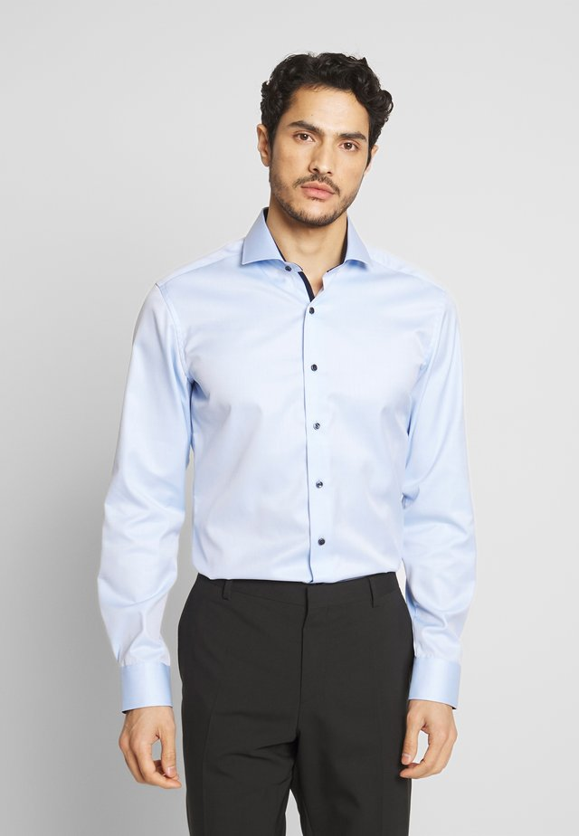 HAI-KRAGEN SLIM FIT - Formální košile - blue