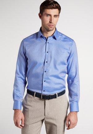 MODERN FIT - Overhemd - cornflower blue