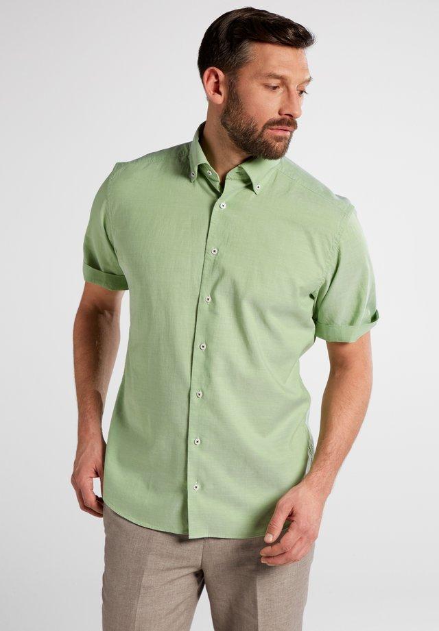 COMFORT FIT - Shirt - green