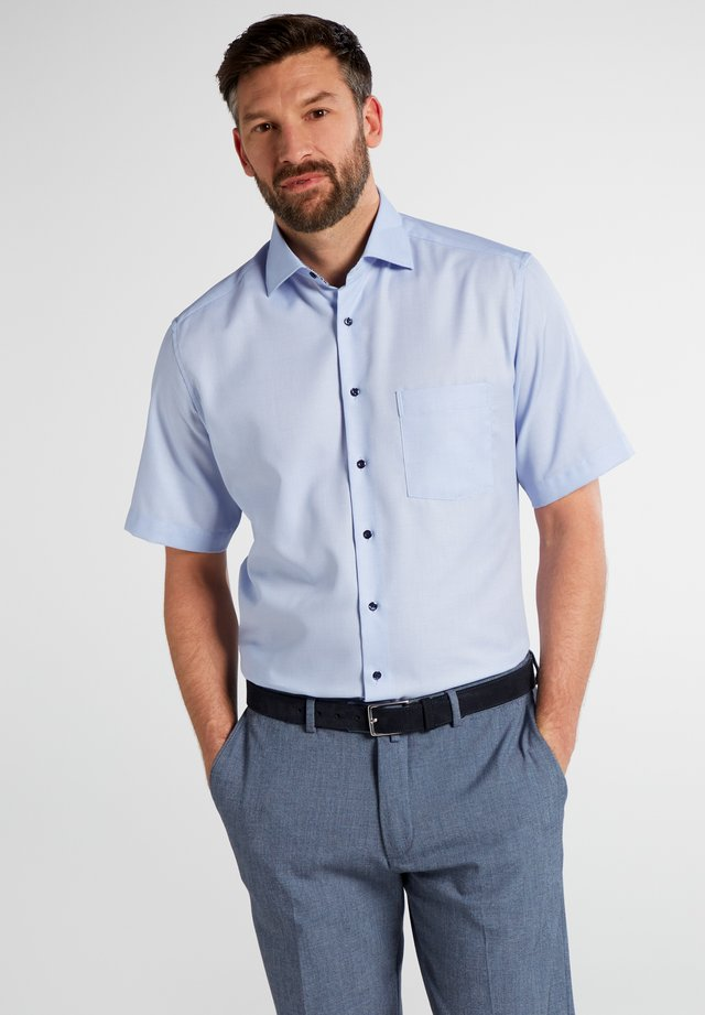MODERN FIT - Hemd - light blue