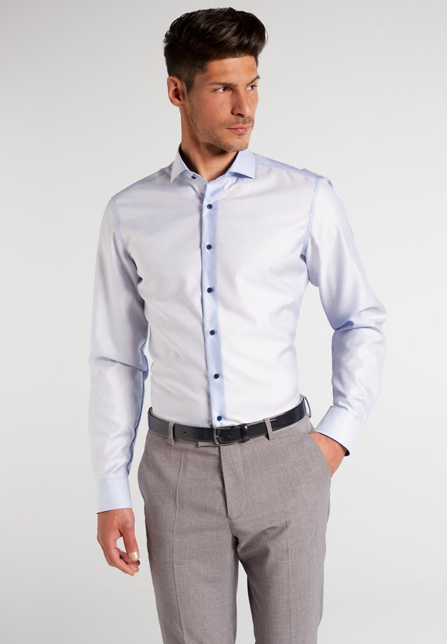 SLIM FIT - Businesshemd - hellblau