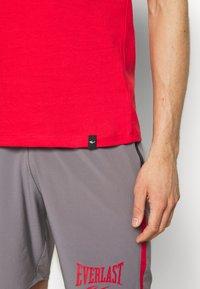 Everlast - LOUIS - T-shirt print - red - 4