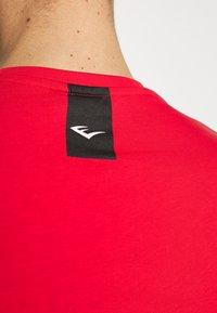 Everlast - LOUIS - T-shirt print - red - 6