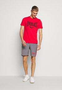 Everlast - LOUIS - T-shirt print - red - 1