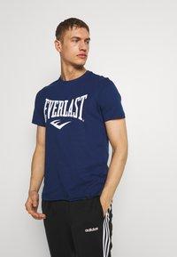 Everlast - LOUIS - Print T-shirt - navy - 0