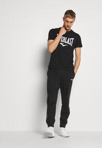 Everlast - LOUIS - Print T-shirt - black - 1