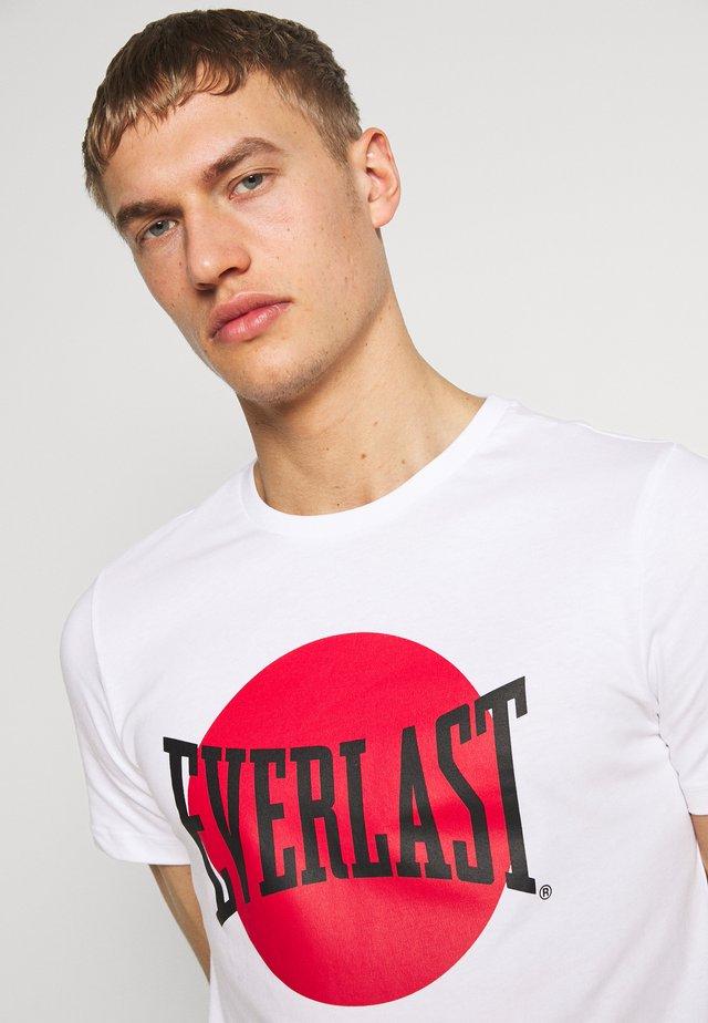 NUMATA - T-shirt med print - white