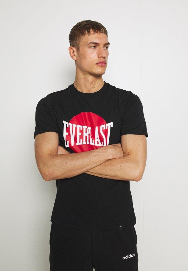 NUMATA - T-shirt med print - black