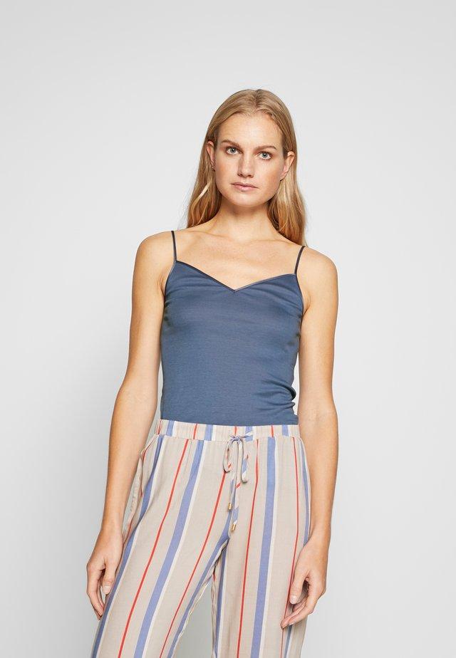 SEAMLESS SPAGHETTI - Unterhemd/-shirt - caribbean blue