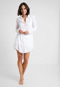 Hanro - DELUXE NIGHTDRESS - Noční košile - white - 1