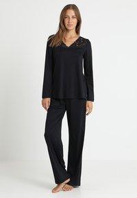 Hanro - MOMENTS ARM SET - Pyjama - black - 0