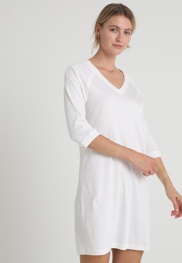 PURE ESSENCE 3/4 ARM - Koszula nocna - off white