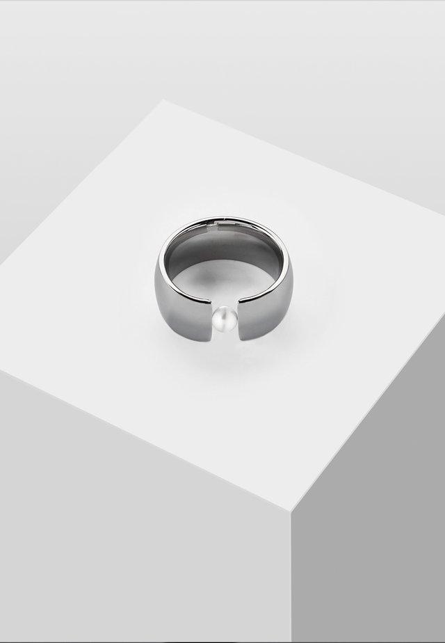 MIT PERLE - Ringar - silver