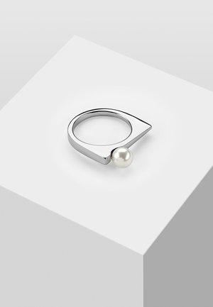 MIT SWAROVSKI PERLE  - Ring - white