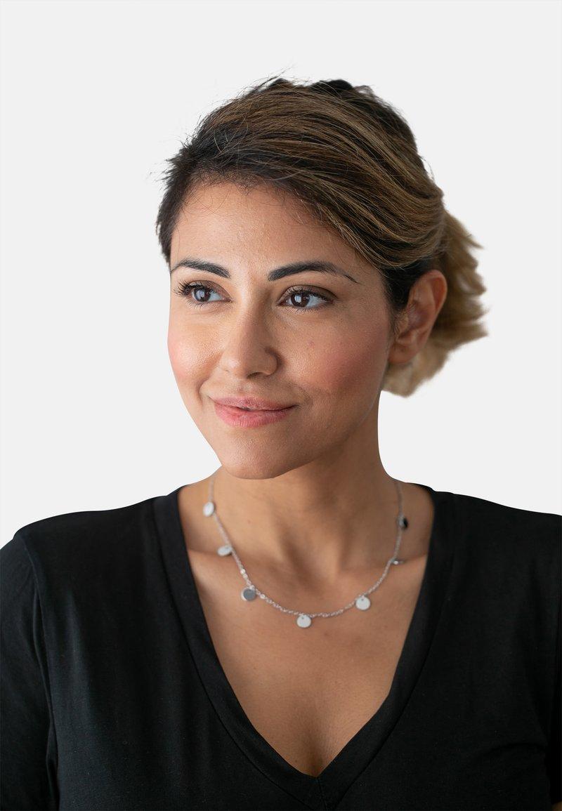 Heideman - KREIS PLÄTTCHEN GEO - Necklace - silver-coloured