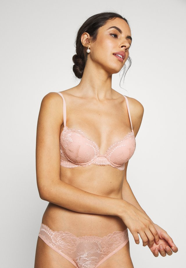 BRIGITTA PADDED WITH WIRE - Push-up podprsenka - powder pink
