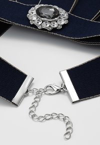sweet deluxe - Necklace - dunkelblau/silver-coloured - 2