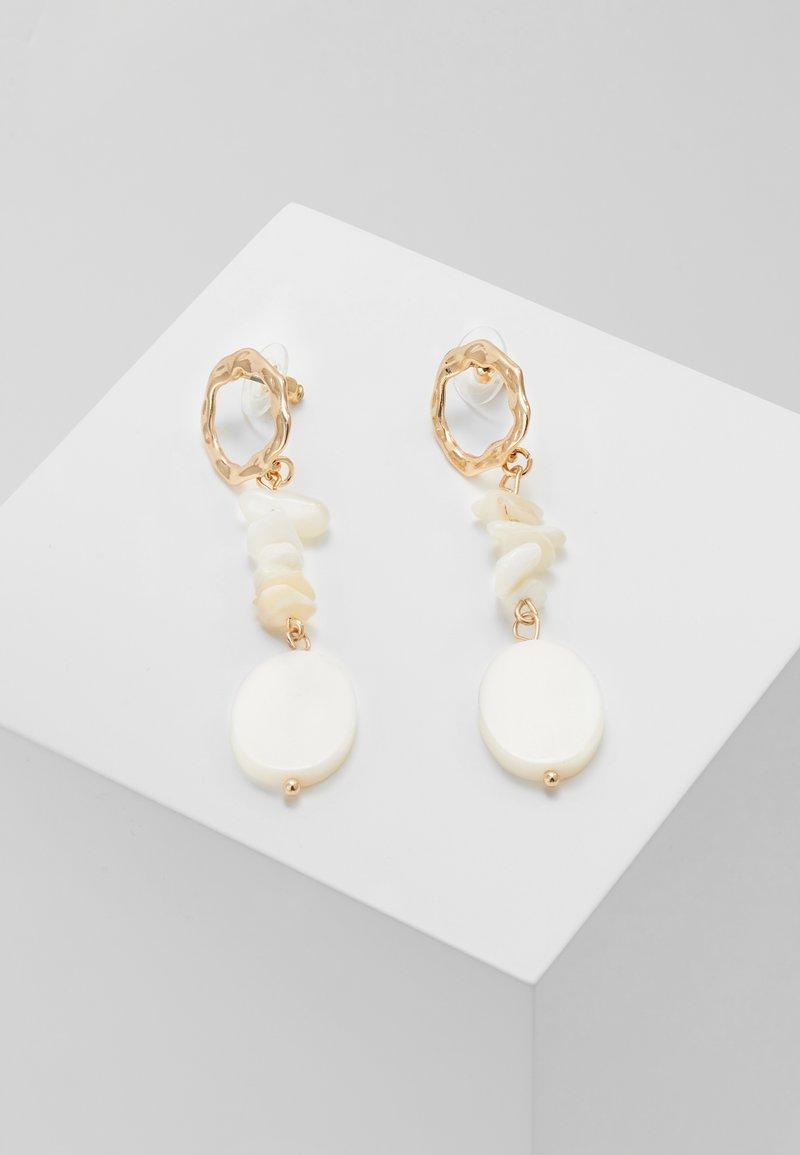sweet deluxe - FEHMKE - Earrings - gold-coloured/weiß