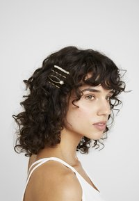 sweet deluxe - HAIR ACCESSORY 4 PACK - Håraccessoar - gold-coloured/weiß - 1