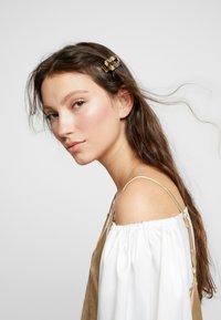 sweet deluxe - HAIR ACCESSORY - Hair Styling Accessory - beige/schwarz - 1