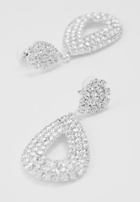 sweet deluxe - DROP EARRINGS - Örhänge - silber/crystal - 4