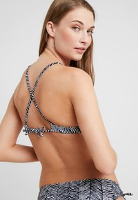 Venice Beach - TRIANGLE TOP - Haut de bikini - black/white - 4