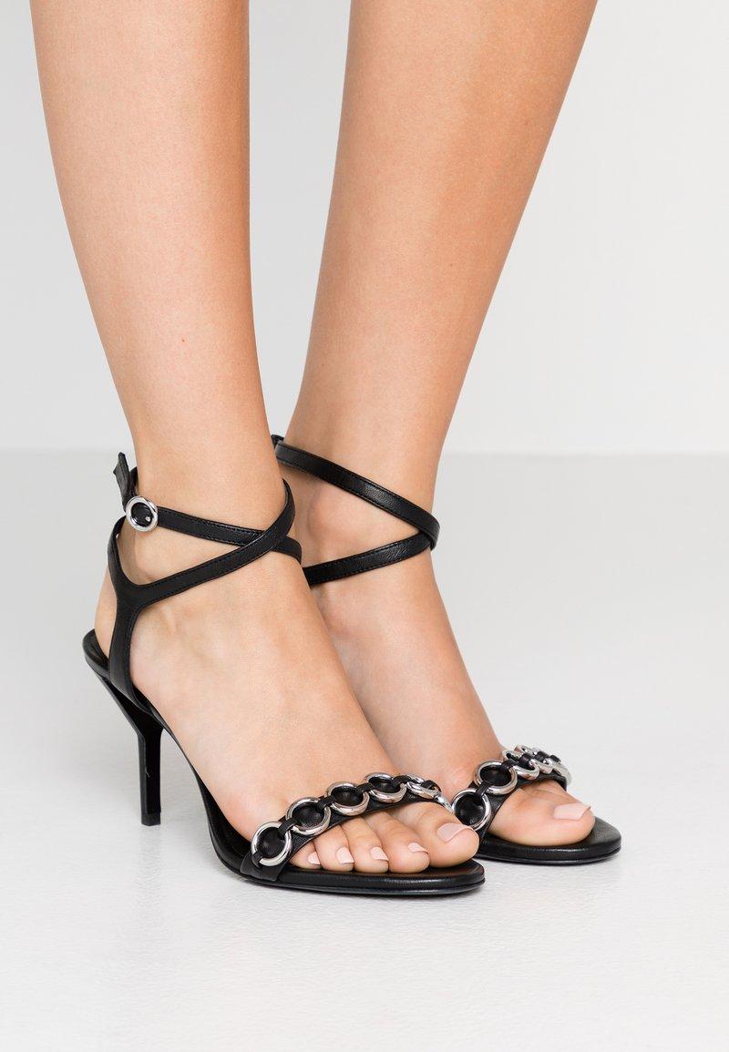 3.1 Phillip Lim - ALYSE RINGS - Korolliset sandaalit - black