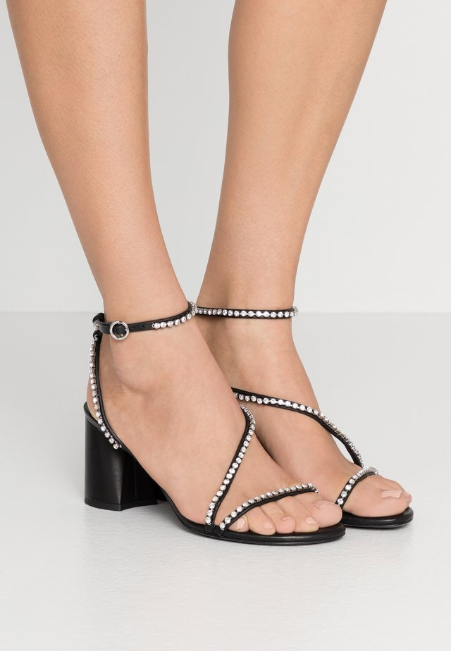 DRUM ANKLE STRAP  - Sandalen - black