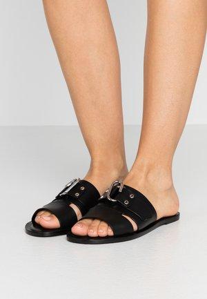 ALIX FLAT SLIDE - Pantofle - black