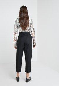 3.1 Phillip Lim - BELTED OVERLAP TROUSER - Trousers - black - 2