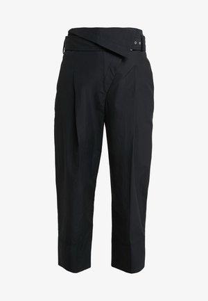 BELTED OVERLAP TROUSER - Spodnie materiałowe - black