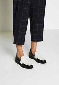 3.1 Phillip Lim - WINDOW PANE MENSWEAR STYLE PANT - Kalhoty - midnight grey - 4