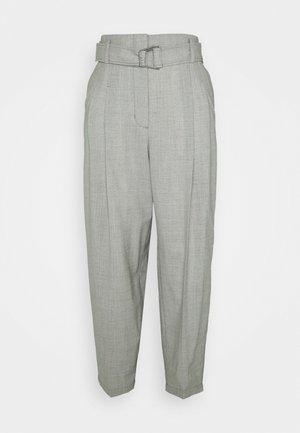 BELTED UTILITY PANT - Kangashousut - ash grey