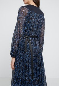 3.1 Phillip Lim - BELTED SHIRRING DRESS - Maxikjole -  multi - 3
