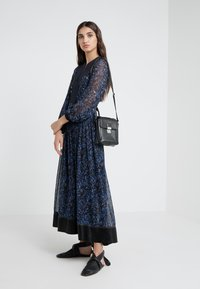 3.1 Phillip Lim - BELTED SHIRRING DRESS - Maxikjole -  multi - 1
