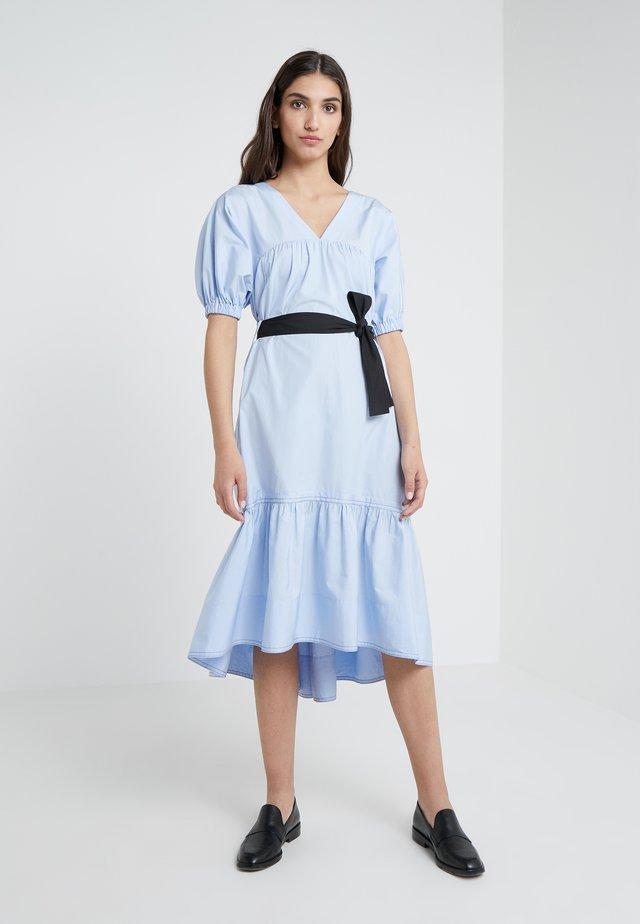 MIDI FLARE DRESS - Robe d'été - oxford blue