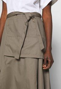 3.1 Phillip Lim - UTILITY DRESS - Denní šaty - white/taupe - 5