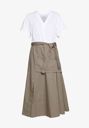 UTILITY DRESS - Vardagsklänning - white/taupe