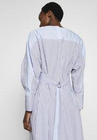 3.1 Phillip Lim - STRIPED OVERLAP DRESS - Day dress - navy/cobalt/white - 3