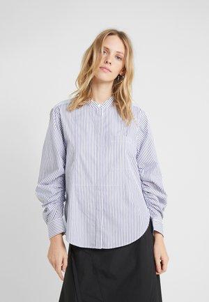STRIPED SHIRT GATHERED  - Skjortebluser - blue/white