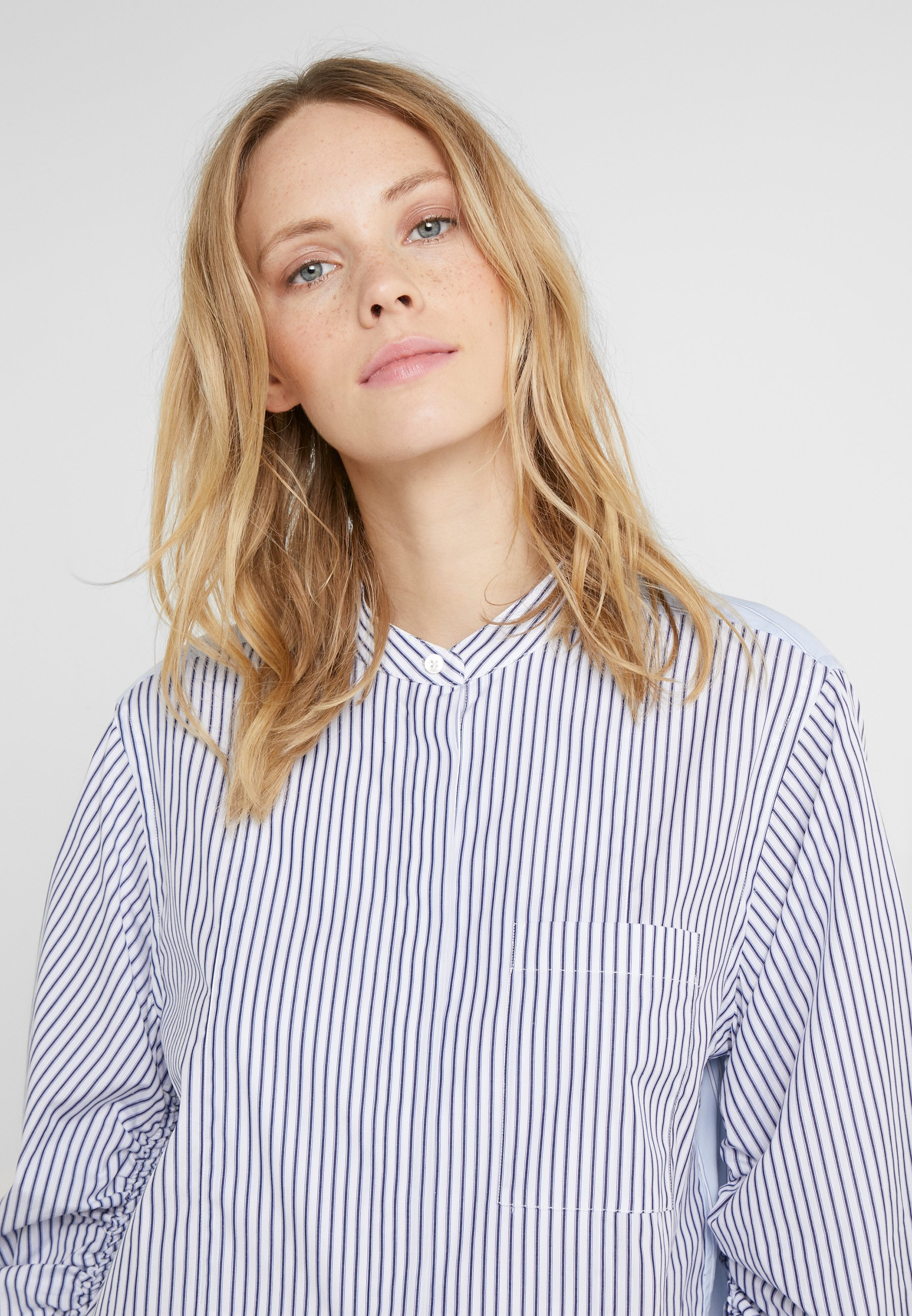 3.1 Phillip Lim STRIPED SHIRT GATHERED - Button-down blouse - blue/white